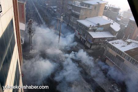 Yüksekova'da polis müdahalesi 1