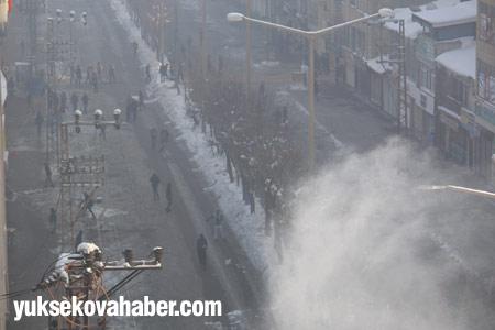 Yüksekova'da polis müdahalesi 4