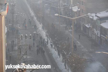 Yüksekova'da polis müdahalesi 7