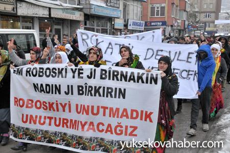 Hakkari'de Roboski için yürüyüş düzenlendi 11