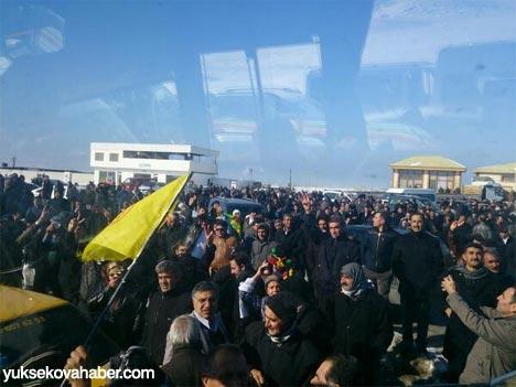 Tutuklu vekillerin sosyal medya fotoğrafları 17