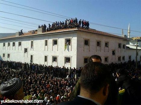 Tutuklu vekillerin sosyal medya fotoğrafları 28