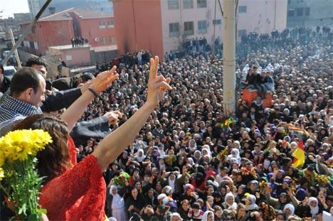 Tutuklu vekillerin sosyal medya fotoğrafları 52