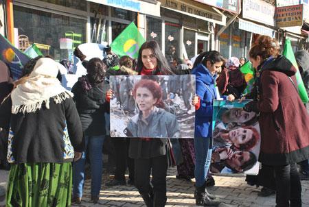 3 Kürt kadın siyasetçi Şemdinli'de anıldı 33