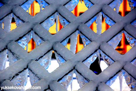 Erzurum'da Sibirya soğukları buzlu sanata dönüştü 11