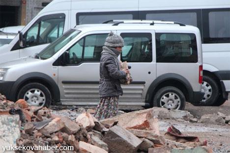 Çöken bina Suriyelilerin dramını ortaya çıkardı 2