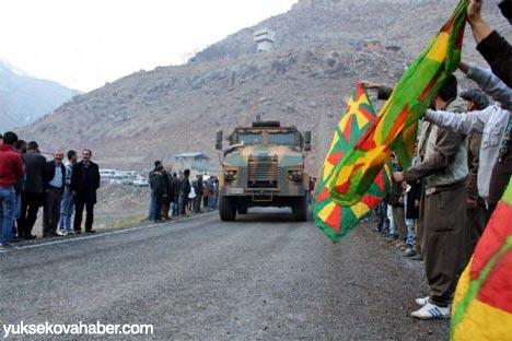 Kirpiler BDP konvoyunun arasında kalınca 8