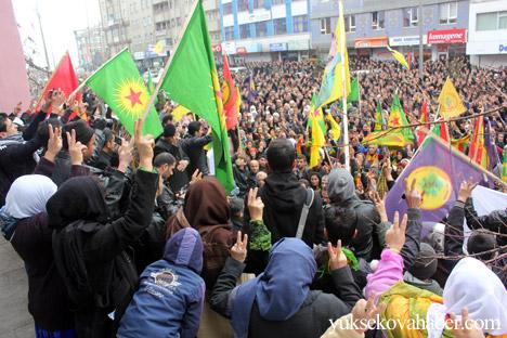 Hakkari Rojava'da ilan edilan özerkliği selamladı 21