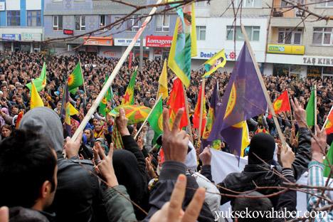 Hakkari Rojava'da ilan edilan özerkliği selamladı 26