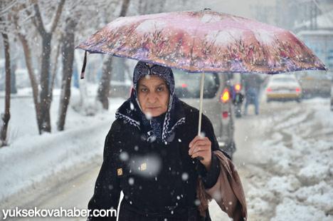 Yüksekova'da kar yağışı 5