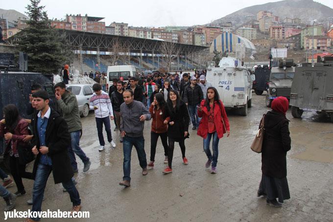 Hakkari'deki Halk Oyunları yarışmasında gerginlik çıktı 14