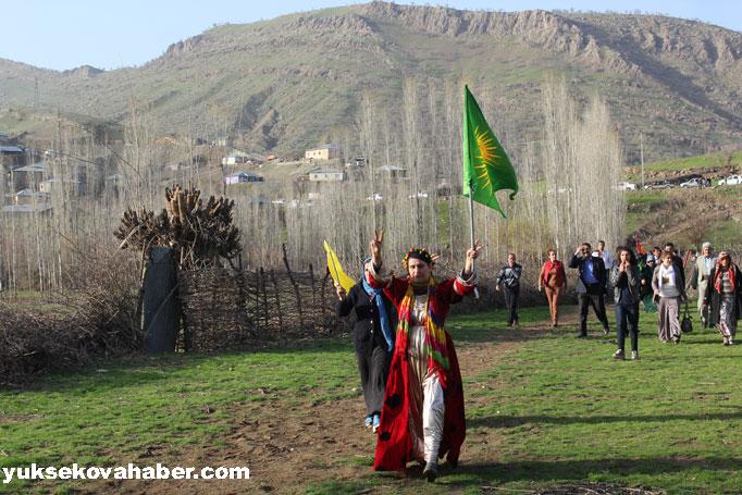 İlk Newroz ateşi Derecik'te yakıldı 12