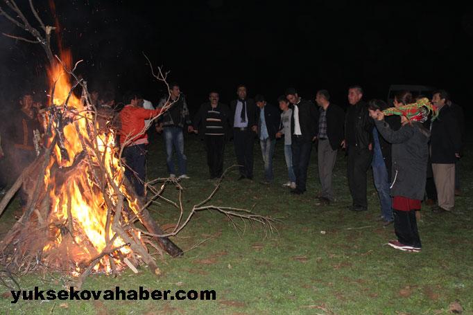 İlk Newroz ateşi Derecik'te yakıldı 27