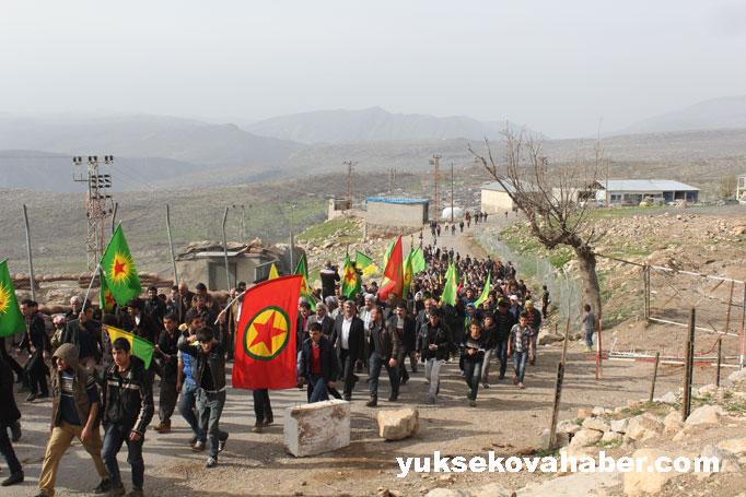 İlk Newroz ateşi Derecik'te yakıldı 42