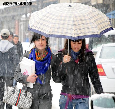 Yüksekova'da karlı bir gün 18