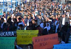 Ankara katliamını Yüksekova'da binler kınadı