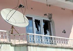 Yüksekova'da özel hareket timleri evleri taradı