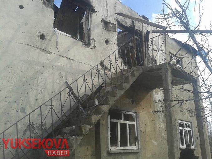 Yüksekova'da o mahalle harabeye döndü! 1