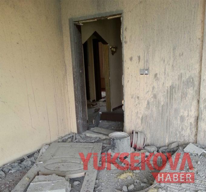 Harabeye dönen Yüksekova'dan yıkım görüntüleri 1