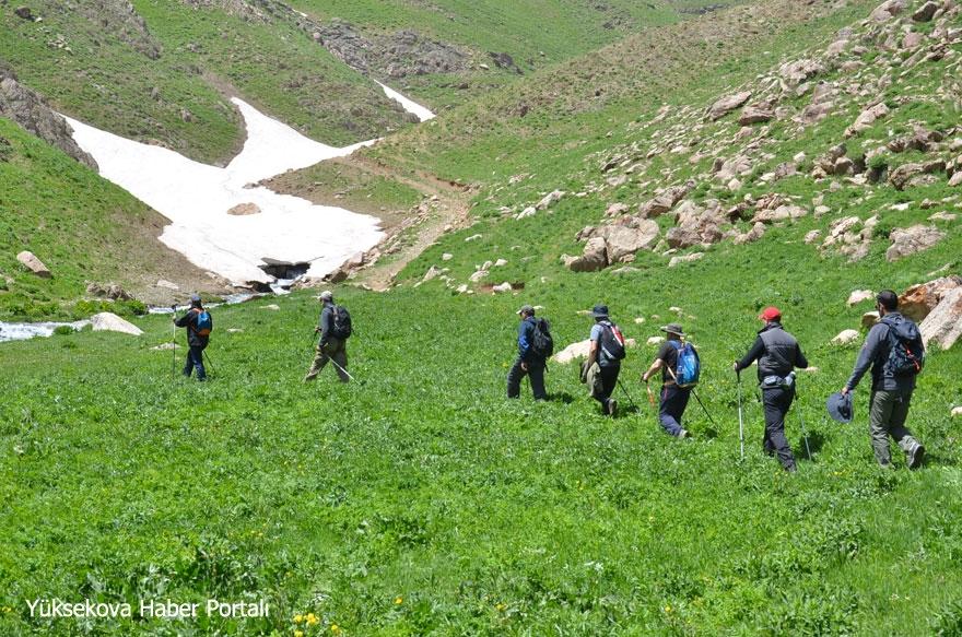 Yüksekova'nın Doğa yürüyüşçüleri grubu: Cilo Trekking 1
