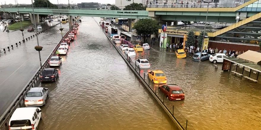 Fotoğraflarla İstanbul'daki sel felaketi