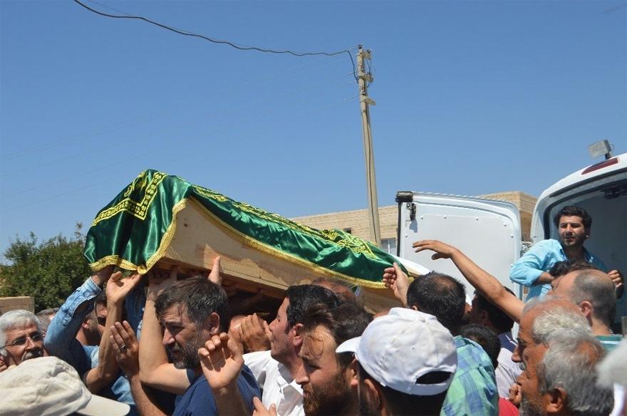 Kazada ölen mevsimlik işçilerinin cenazeleri defnedildi 1