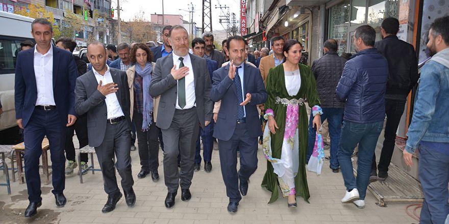 HDP Eş Genel Başkanı Sezai Temelli, Yüksekova'da