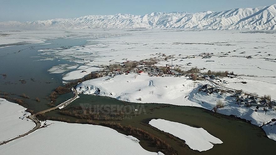 Yüksekova Nehil deresi taştı 1