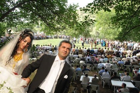 Şemdinli Belediye Başkanı Töre'ye festival gibi düğün 20
