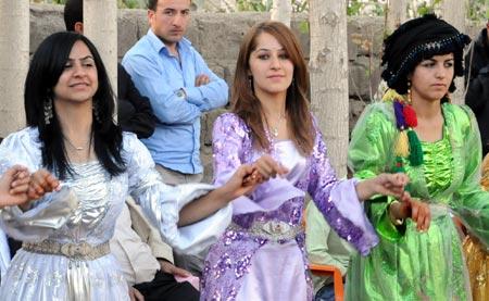 Yüksekova düğünleri (4 Ekim 2009) 31