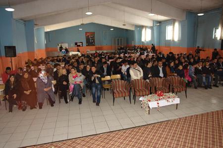 Kürtçe-Türkçe tiyatro oyunu 1