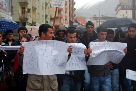 Hakkari'de 'şifre' protestosu 10