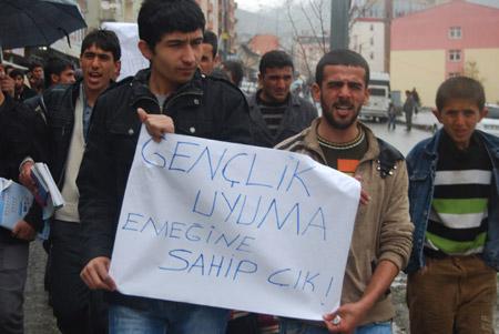 Hakkari'de 'şifre' protestosu 12
