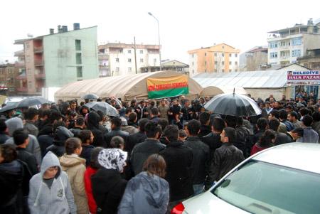 Hakkari'de 'şifre' protestosu 23