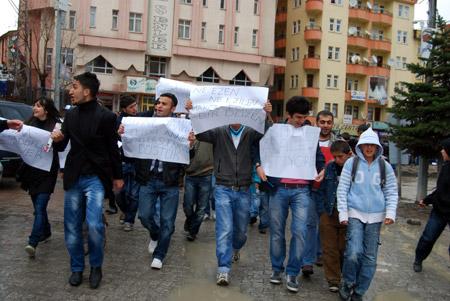 Hakkari'de 'şifre' protestosu 7