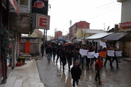 Yüksekova'de 'şifre' protestosu 13