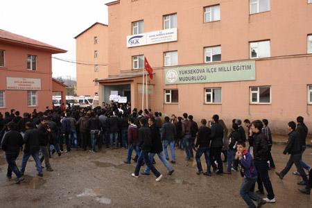 Yüksekova'de 'şifre' protestosu 5