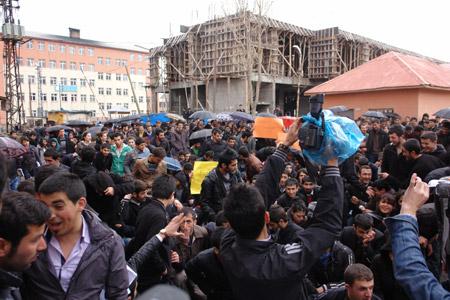 Yüksekova'de 'şifre' protestosu 7