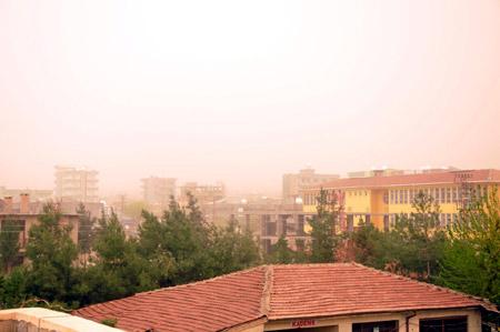 Hakkari ve Şırnak'ta toz bulutu 10
