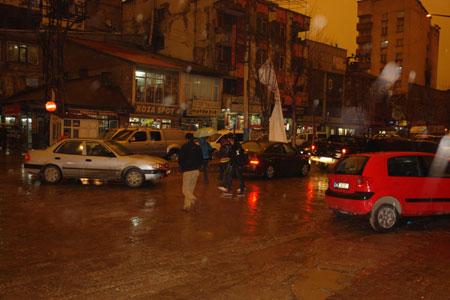 Hakkari ve Şırnak'ta toz bulutu 27