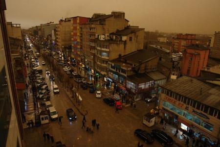 Hakkari ve Şırnak'ta toz bulutu 3