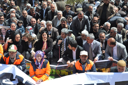 14 Nisan'a protesto, 19 Nisan'a çağrı! 9