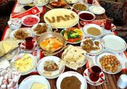 Vanlı İş Adamları Kahvaltısı Rekorunu Değerlendirdi