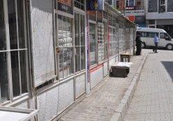 Özalp'ta Kepenkler Açılmadı