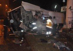 Trafik Kazalarında 8 Kişi Öldü