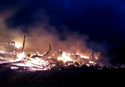 31 ev tamamen yandı!