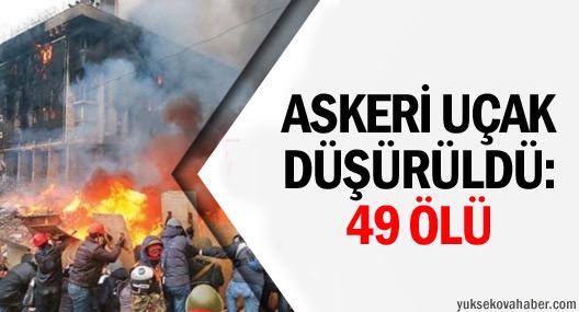 Askeri uçak düşürüldü: 49 ölü