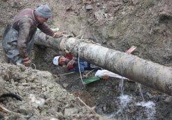Hakkari'de İçme Suyu Şebekesi Arızalandı