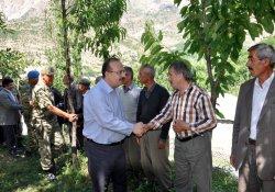 Vali Canbolat Dağlıca'yi ziyaret etti