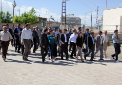 Büyükşehir Belediyesi Eş Başkanlarından İlçe Ziyaretleri